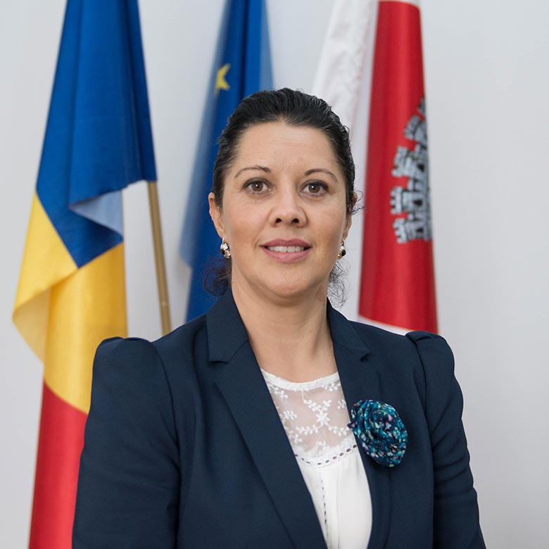 Iulia-Samartinean-foto