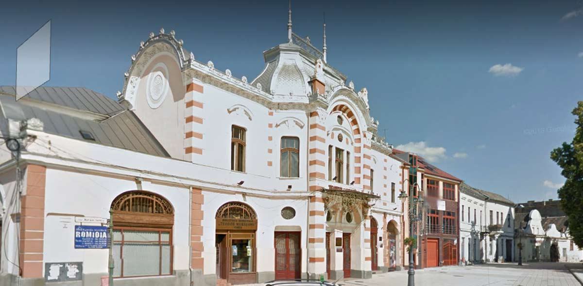 Biblioteca-Municipala-Turda---foto